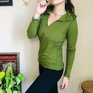 ⌈Lucy⌋ Green Hooded Pull Over Top